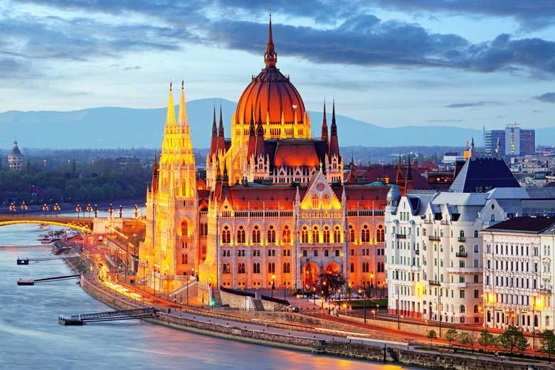 Budapest minibus transfer